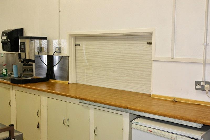 Open Kitchen Bar Hatch Design